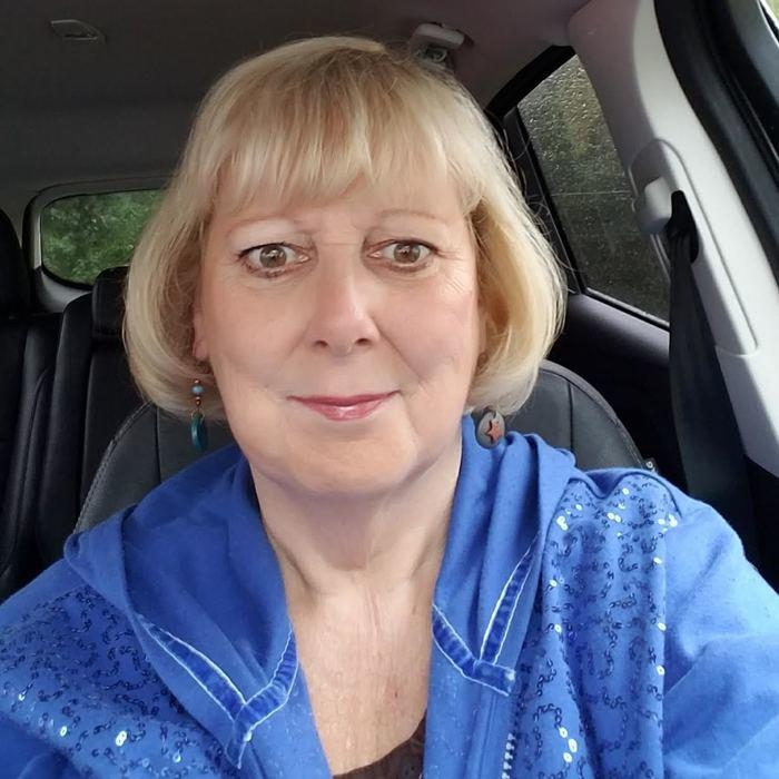 Theresa<br>Receptionist  photo